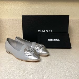 CHANEL Moccasin Loafer In Grey Silver Sz 35.5